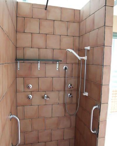 Shower and Toilet Block - Kookaburra Creek Retreat